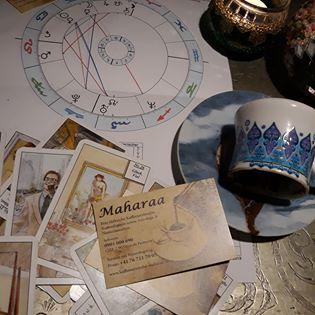 Erfahrene Kartenlegerin